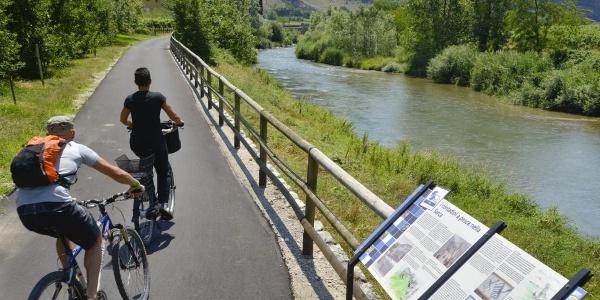 Der Radweg den Fluß Sarca entlang.