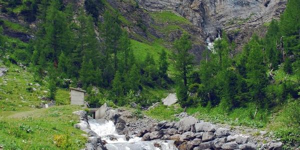 Waterfalls at the Tseuzier lake.
