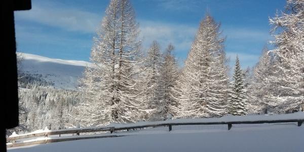Blick aus WC-Fenster der Neue Bonner Hütte, 28. Dezember 2017 09:34:46