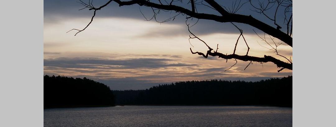 In den eiszeitlichen Ablagerungen bildeten sich zahlreiche langgestreckte Seen wie der Platkowsee.