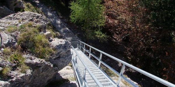 Treppe zur Aussichtsplattform Pizalun
