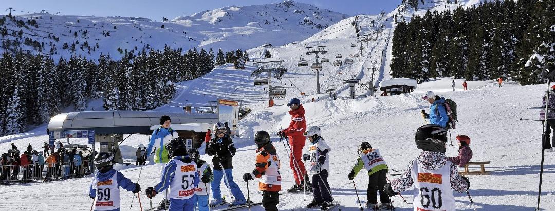 Kinderskikurs im Skigebiet