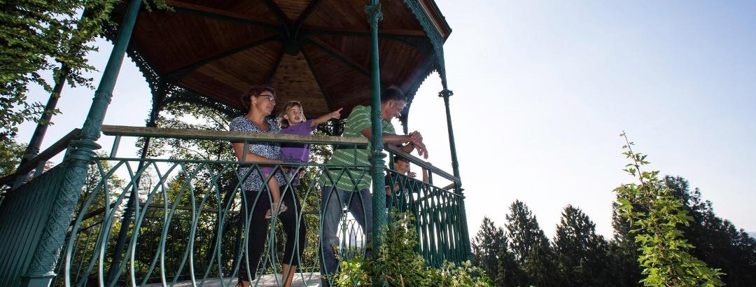 Familie im oberen Stadtgarten