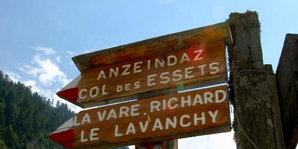 Wegweiser nach Le Lavanchy.