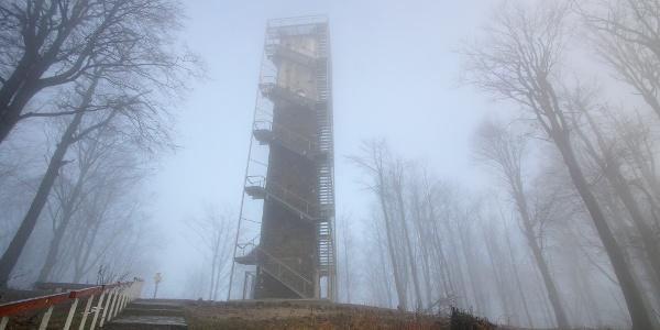 A Galya-kilátó ködbe burkolva
