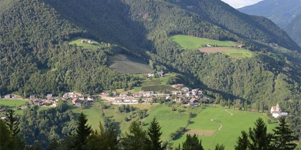 Afing Dorf mit Schwarzegg