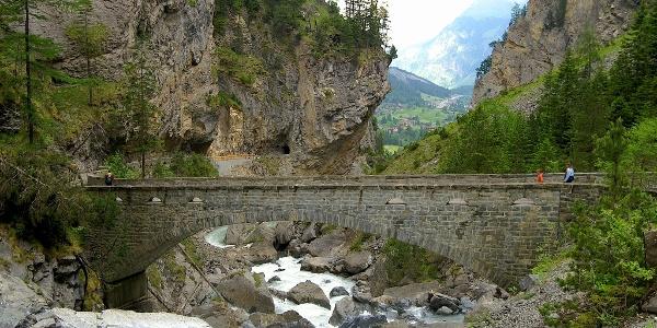 Neubrücke im Gasterntal, nahe Berghotel Waldhaus.