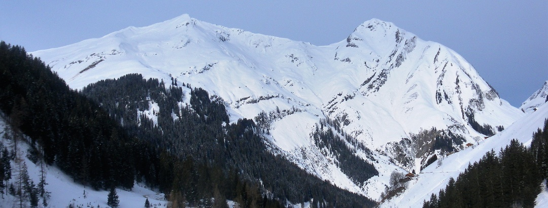 Schwarzer Kranz und Pimig aus dem Kaisertal
