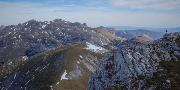 Grund genug für eine weitere weite Reise in den Osten der Alpen: das eindrucksvolle Hochplateau mit dem Hochschwabgipfel, gesehen vom Ebenstein