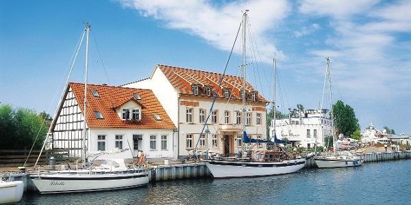 Segelschiffe im Stadthafen von Ueckermünde