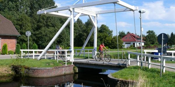 Klappbrücke in Ostrhauderfehn