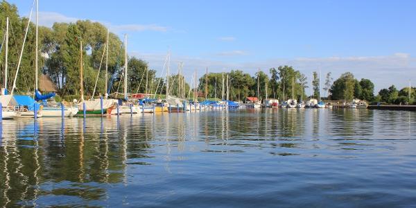 Segelboote am Hafen von Mönkebude direkt am Stettiner Haff