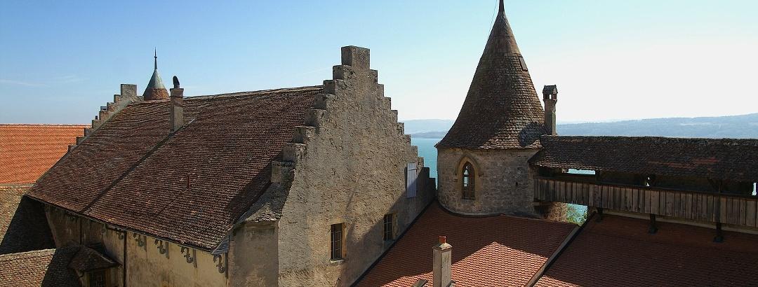 Blick über das Schloss Grandson