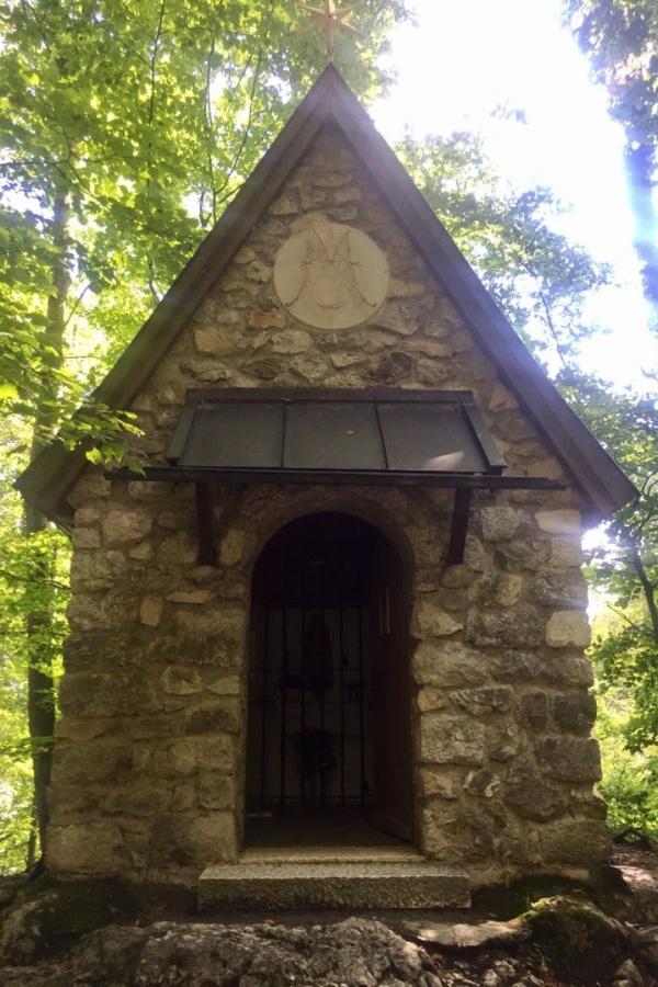 Kapelle Maria Schnee bei der Burgruine Falkenstein