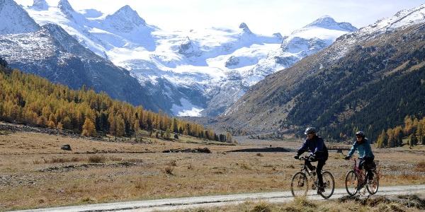 Biker im Val Roseg