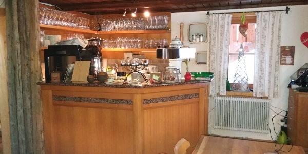 Kaffee- und Getränkebar in der Neue Bonner Hütte.