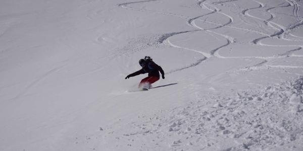 Snowboardabfahrt vom Muttenjoch