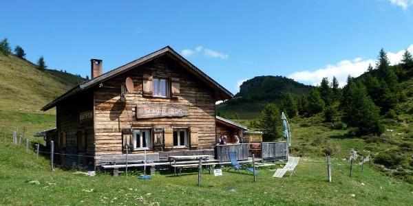 Skihütte Feldis im Sommer
