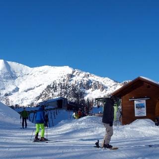Wurzeralm ~1400m, mit Bergstation und Warscheneck