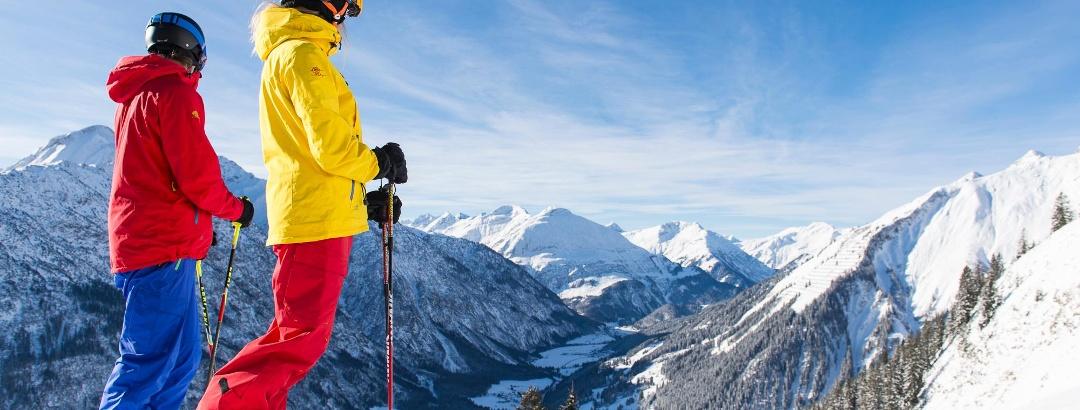 Skifahren vor herrlicher Kulisse