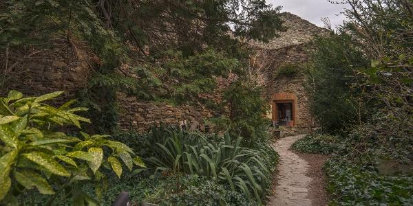 Bejárat a vár belsejéből