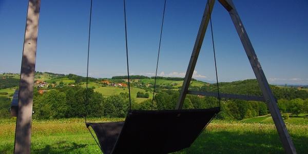 Schwebeliege mit schönen Blick auf das Hügelland um Stein