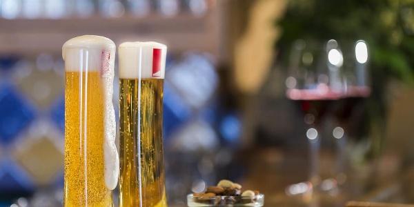 Zeit für gepflegte Getränke Hotel Erlebach Hotelba