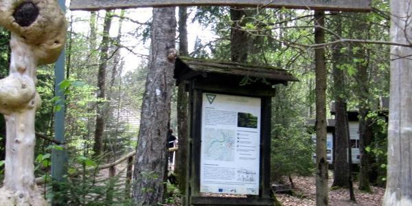 Naturschutztafeln bei PWV Hütte im Schneiderfeld