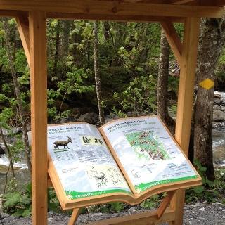 Beschilderung auf dem Steinbock Lehrpfad