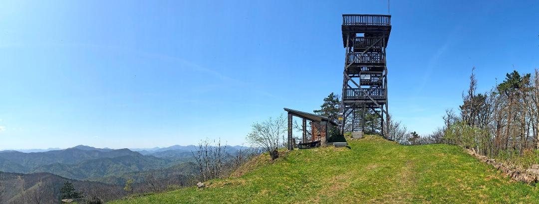 Meyringerwarte des ÖTK Österreichischer Touristenklub am Hocheck, Höhe 1.037 müA