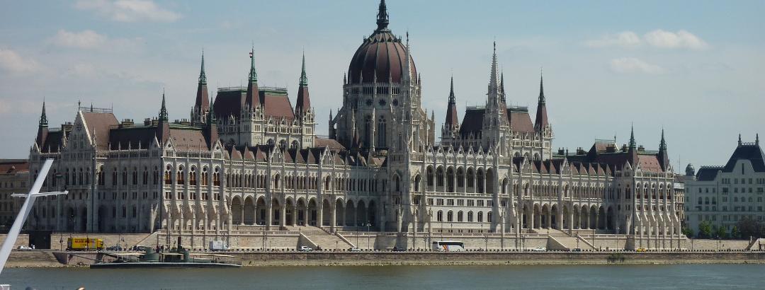 Parlamentsgebäude in Budapest / Ungarn
