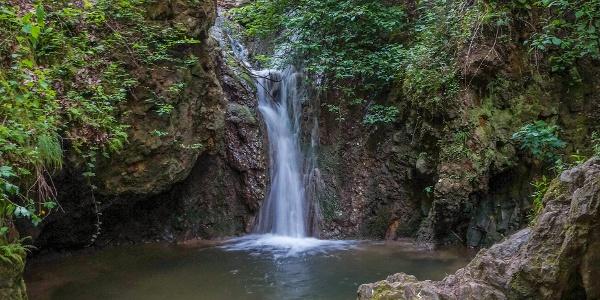 Jegenye-völgyi vízesés a Paprikás-patakon