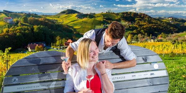 Steiermark Herzerlbank beim Weingut Bullmann