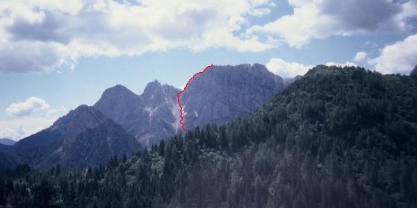 Il tracciato della via normale al monte Cimon
