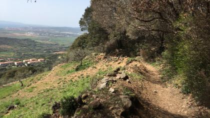 Trail Sasserelli mit Blick bis auf Follonica