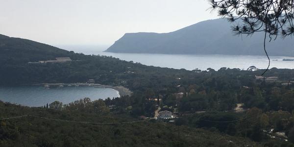 Aussicht auf die Bucht von Lacona