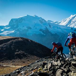 Sur le circuit Hohtälli, vous avez une vue exclusive sur les montagnes de Zermatt (sur la photo: le massif du Monte Rosa avec la Pointe Dufour).