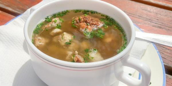 Auf dich wartet eine leckere Suppe im ÖTK-Schutzhaus am Brandstetterkogel