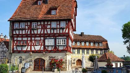 Altes Amtshaus mit Marktbrunnen