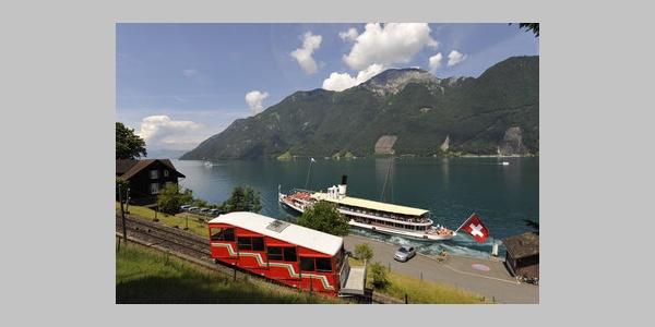 Zwei Highlights: Die Treib-Seelisberg-Bahn und das Dampfschiff