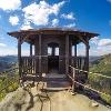 Die markante Schutzhütte auf dem Marienfelsen (Mariina skála)