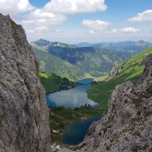 Ausblick zu den Seen oberhalb des Lachenjochs