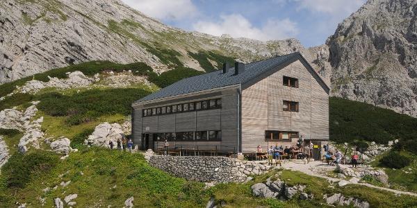 Welserhütte mit Terrasse