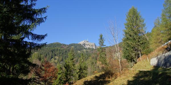 Bereits aus den Tallagen zeigt sich das Gipfelziel