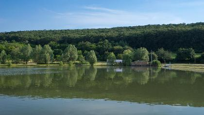 A Cser-tó