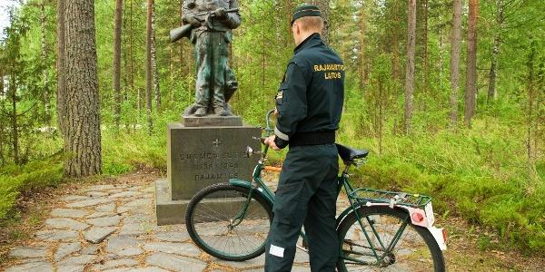Border guard and statue