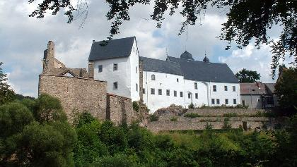 Schloss Lauenstein mit Burgruine