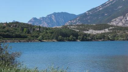 Wunderschöne Ausblicke am Lago Cavedine