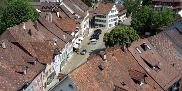 historische Alte Landstrasse durch Aaburg