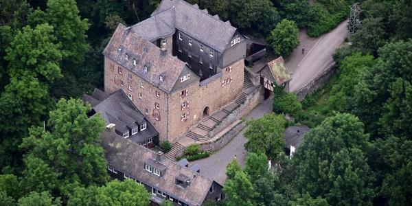 Burg Hessenstein aus der Luft